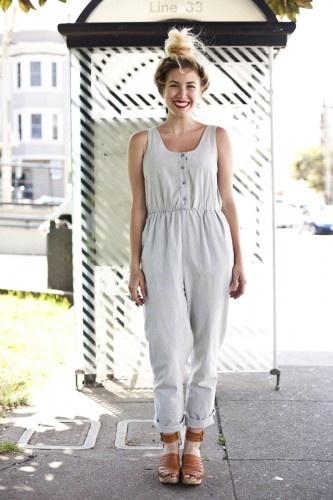 | outfit idea - minimal capsule wardrobe - wear black - project 33