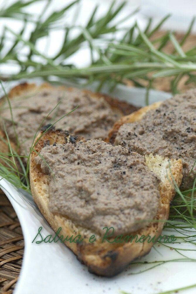 Chicken liver capes ovvero:  crostini con i fegatini
