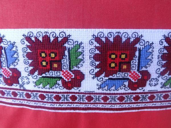 Калъфка за възглавница с традиционна българска шевица