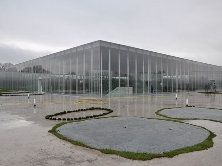 Louvre Lens (France), Louvre's new museum space in the Pas-de-Calais, northern France. Architects: Kazuyo Sejima + Ryue Nishizawa / SANAA