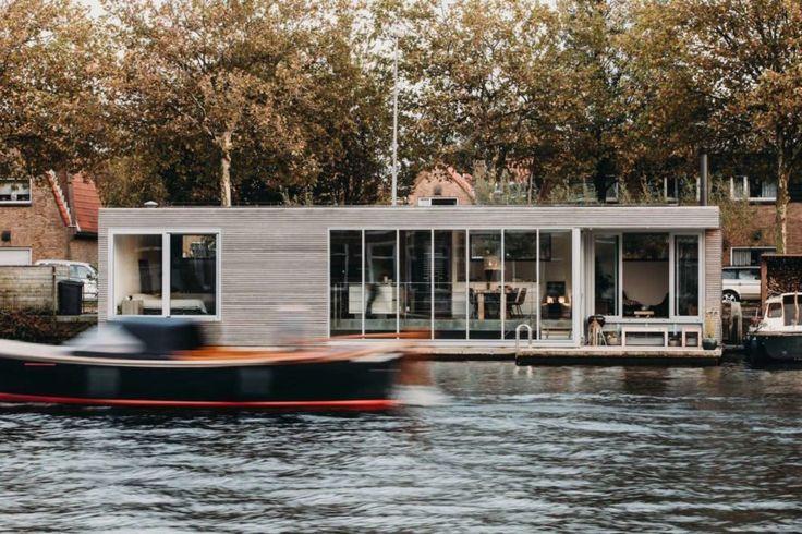 Energy-neutral luxury houseboat floats in Haarlem waters
