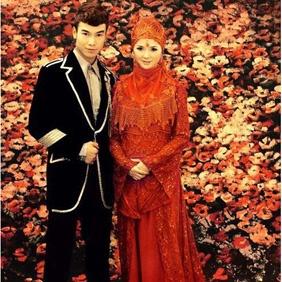 Muslim women's wedding dress from moslembazaar.com