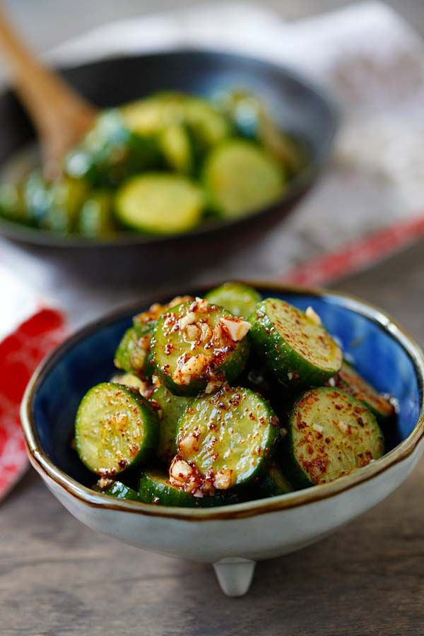 Asian Cucumber Salad - healthy cucumber salad with Asian spices. So refreshing…