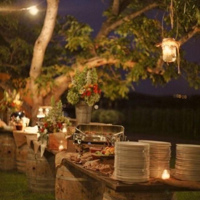 Rustic Barn Wedding Food Ideas: Rustic Wedding Food Display