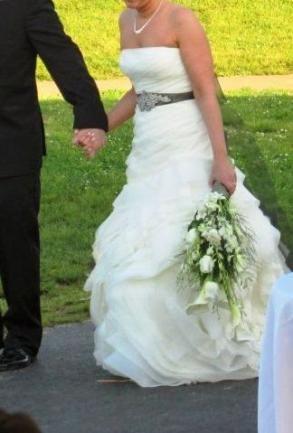 Vera Wang - Bridal Gown - $900.00