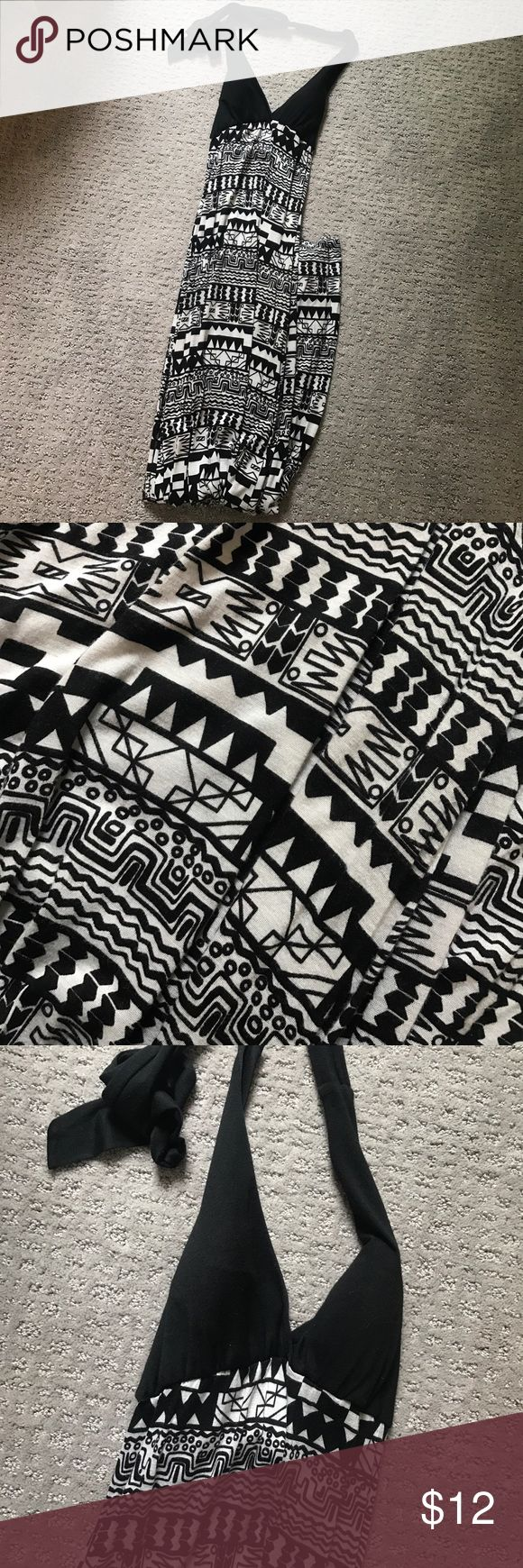 Black and White Maxi Tribal Print Dress Black and White Maxi Tribal Print Dress. Perfect for baby or wedding showers. Removable cups. Wet Seal Dresses Maxi