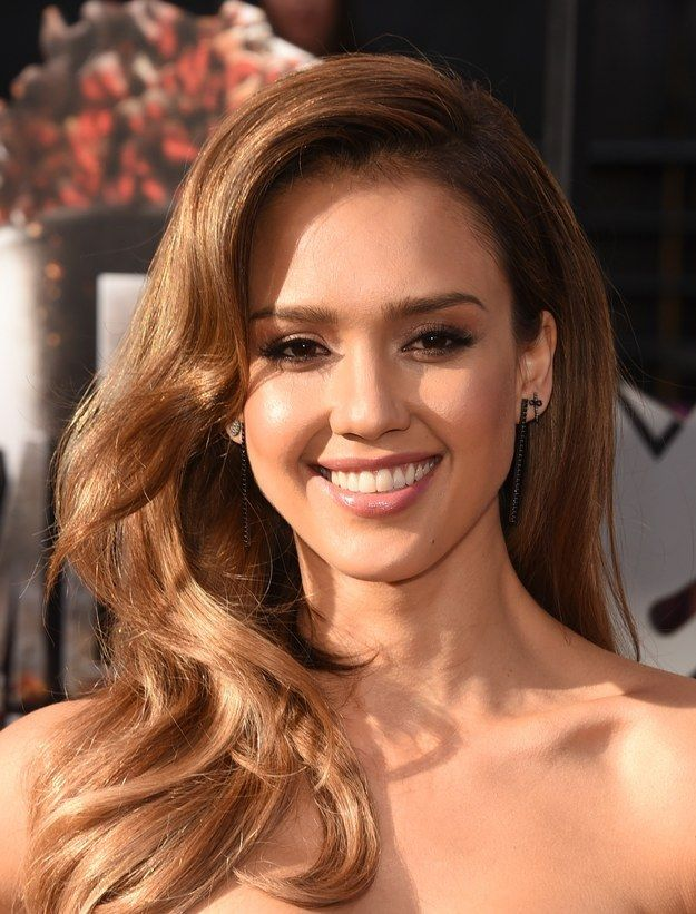 Jessica Alba | The Best Makeup On The MTV Movie Awards Red Carpet