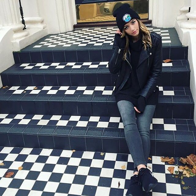 """(Prep)(FC: Eleanor Calder) """"Hello! I'm Eleanor. I'm 23 and single. I'm quite the bubbly character, and I love coffee, and animals. I also listen to music a lot. Anyway, come introduce yourself."""""""