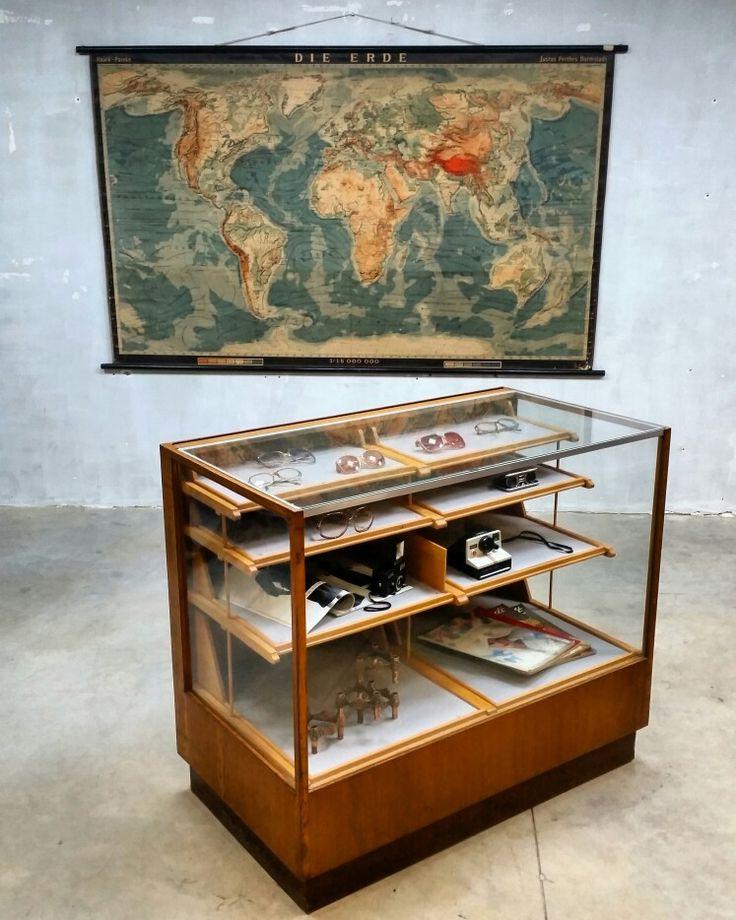 Industriële vintage toonbank  www.bestwelhip.nl