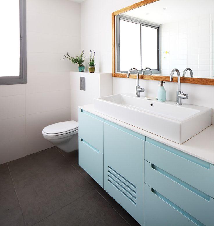 Sink for children's bathroom