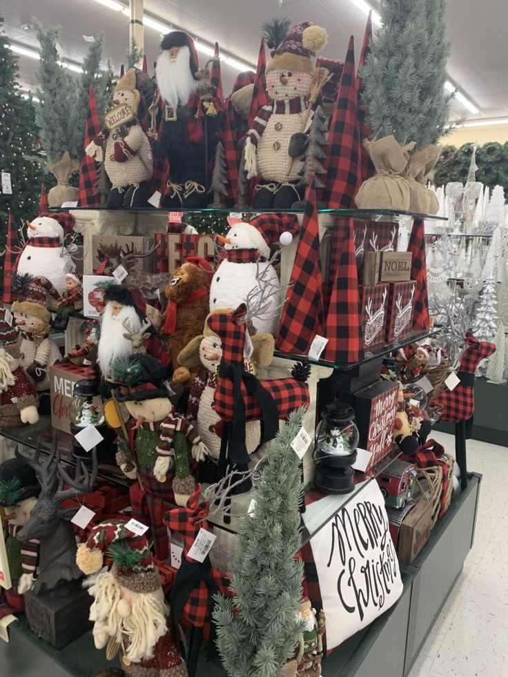 Tour of Hobby Lobby's Christmas Decor Lizzy & Erin in