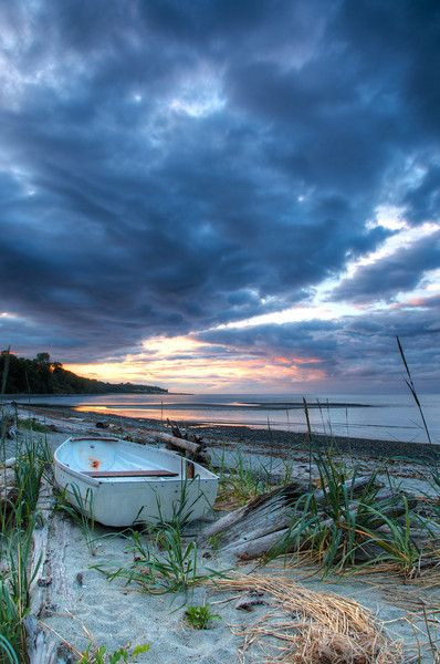 Kye Bay near Comox, BC on Vancouver Island. ©Ken McAllister.