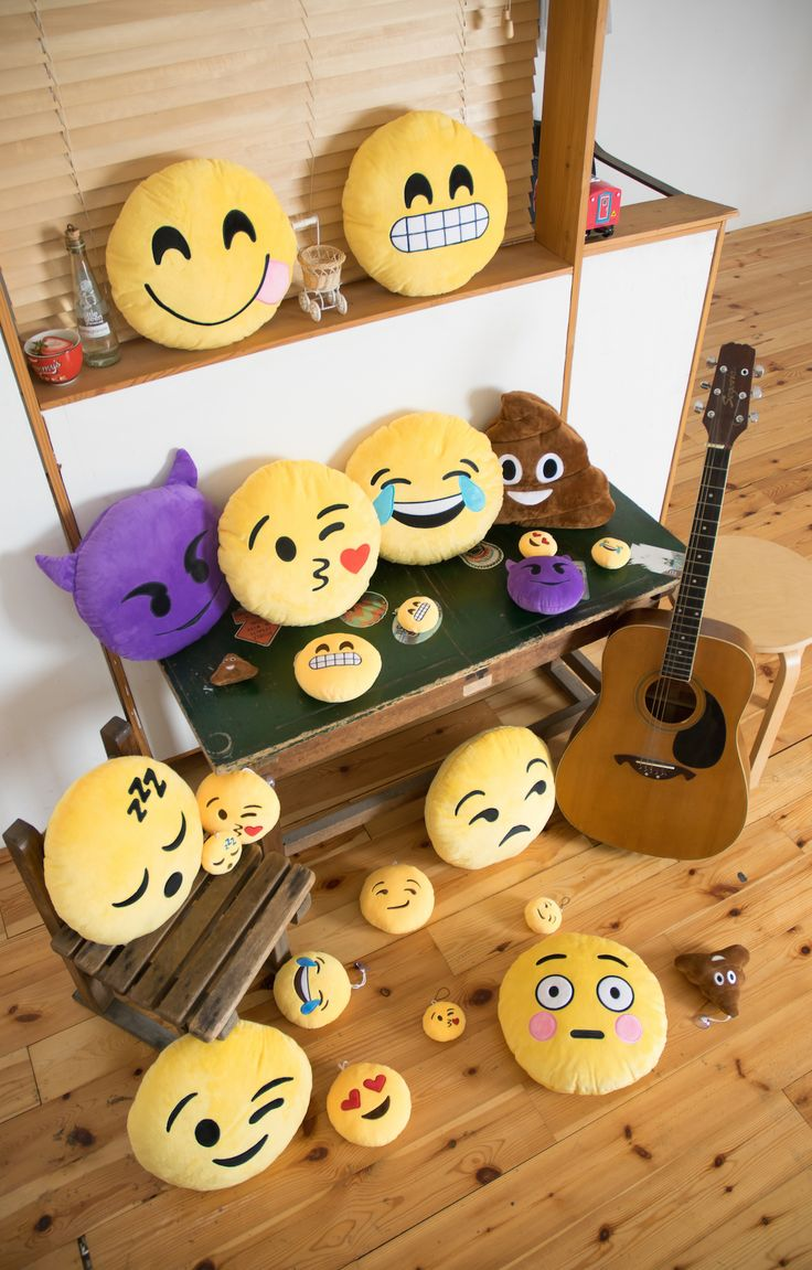 179 mejores im genes de iconos emojis smile stickers for Emoji bedroom ideas