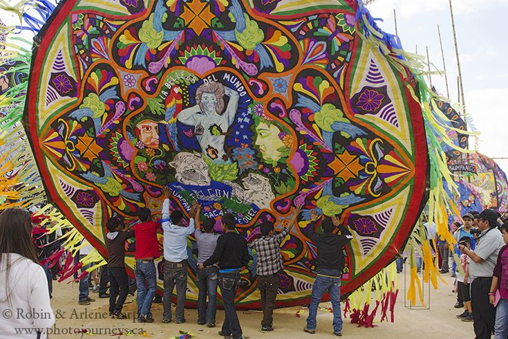 Hoisting up a giant kite, Kite Festival of Sumpongo, Guatemala - Photo Journeys