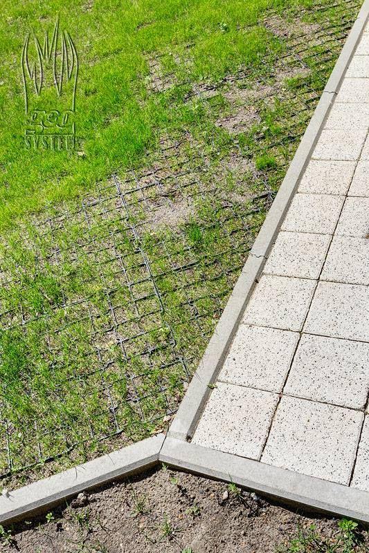 Kratka trawnikowa geoSYSTEM G4 obsadzona trawą geoGRASS