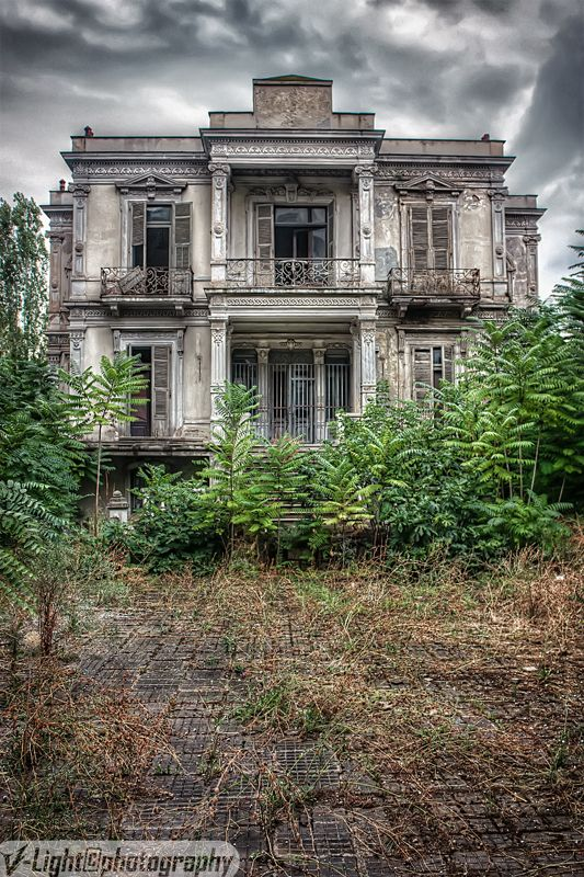 (1 Thessaloniki) The abandoned Salem Mansion (by *V-Light), in the center of Thessaloniki, Greece, was built in 1878.