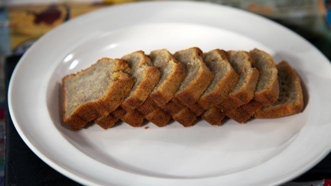 Bananenbrood 24 kitchen, lekker met bijv walnoot, rozijn