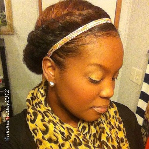 Pretty Protectivestyle by @mrshairtoday2012 This is day 9! Instead of wearing my wash and go, I decided to twist my hair on each side and wear a low bun. I did apply some more @auntjackiescurlsandcoils flaxseed gel to my edges. The hair accessory is a gold rope band to fab it up a little. My makeup is subtle with gold eyeshadow. trying to get this makeup game together.  #Hair2mesmerize #naturalhair #healthyhair   #naturalhairstyles #blackhairstyles #transitioning #protectivestyle