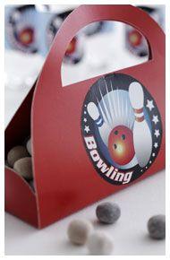 Bowlingtaske - Bowlingfest - Aktiviteter og lege - Dansukker  http://www.dansukker.dk/dk/inspiration/bornefodselsdag/bowlingfest/aktiviteter-og-lege.aspx #dansukker #bowling #fest #børnefest #slik