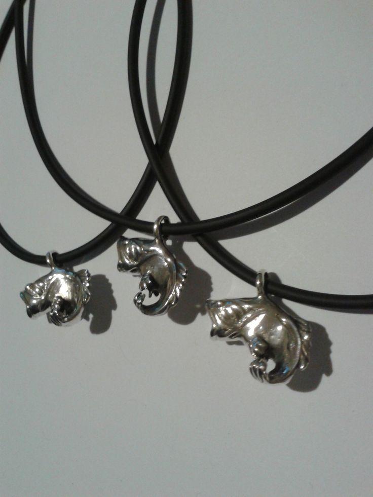 Halas ezüst medálok. Szilas Judit , ötvös. Egyedi ékszerkészítés. Mail.: szilasjudit@gmail.com , www.szilasjudit.hu