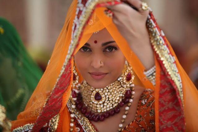Aishwarya Rai Bachchan's Most Beautiful Pics from Jodha Akbar