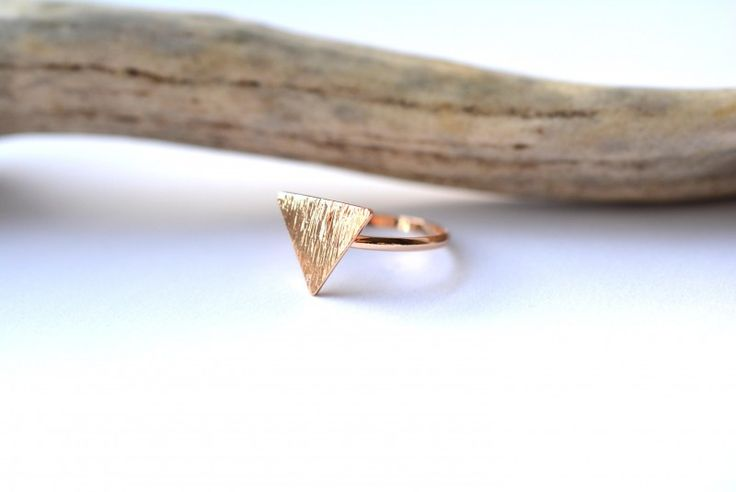 Driehoek ring - geometrische vormen ringen trend geo - By Caitlin©