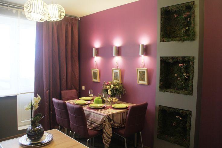 Эко-стиль - это яркие сочные оттенки и необычные сочетания. Для  оформления стен мы выбрали два смелых цвета: сочный лиловый и графитовый серый. Не бойтесь экспериментировать и не думайте, что темный цвет визуально уменьшит  пространство. При правильном освещении кухня только выиграет.