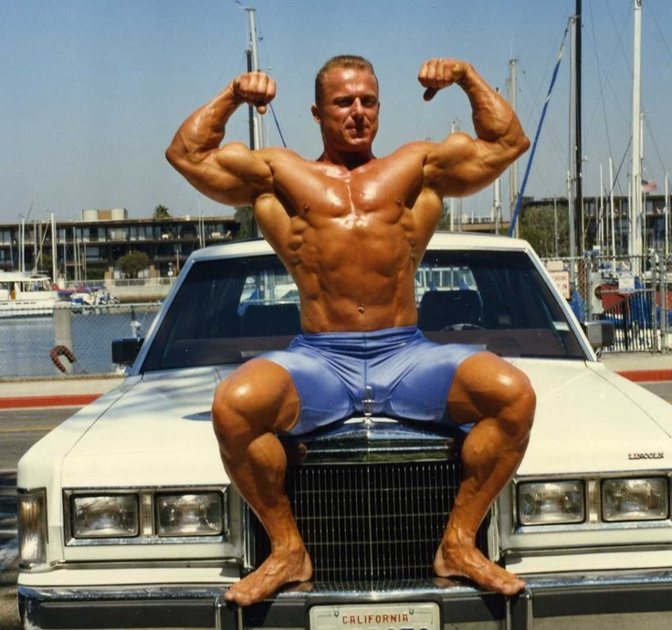Vintage Muscle: Bodybuilder Andreas Cahling