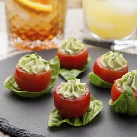 Tomates cocktail au guacamole de la mer