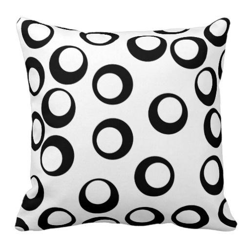 Black and White Retro Circles Pattern. Pillows