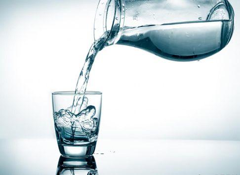 Um copo de água, em vez de cerveja, reduz a obesidade minutobiomedicina.com.br
