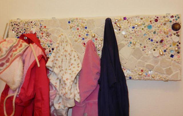 Glamorous hanger BILLY More info: https://en.ikea-club.org/peredelki-ikea/glamurnaya-veshalka-billi-ot-ikea.html