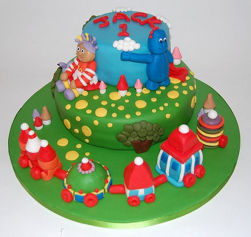 14 best images about in the night garden birthday party on for In the night garden cakes designs