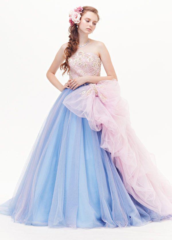 表参道・名古屋・浜松でウエディングドレスをお探しなら、ラビアンローゼ。いちばん輝けるウエディングドレスが見つかるよう、旬のドレスを厳選して取り揃え、トータルにご提案させていただきます。