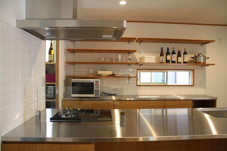 オーダーキッチン。広い作業台でとても使いやすいです。