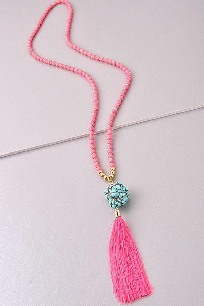 Pretty in Pink Tassel Necklace                                                                                                                                                                                 Más