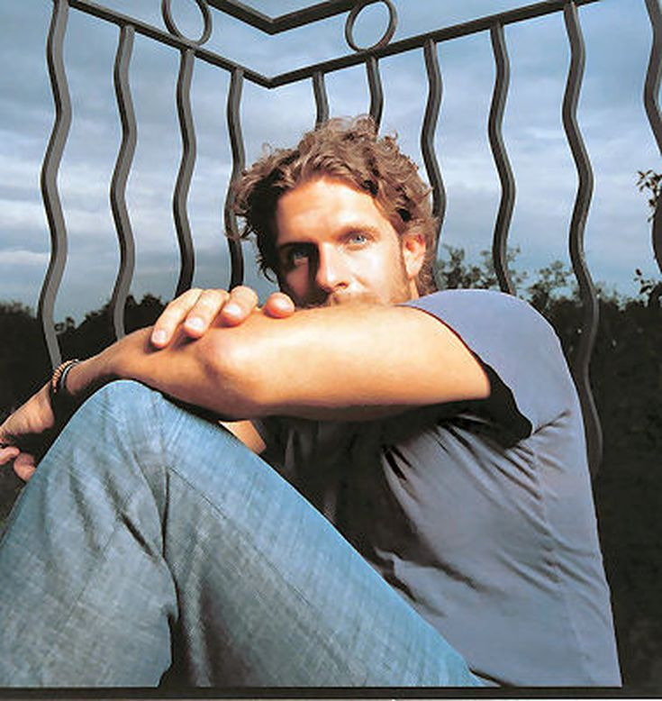 Top 10 Hottest Men in Country Music: Billy Currington