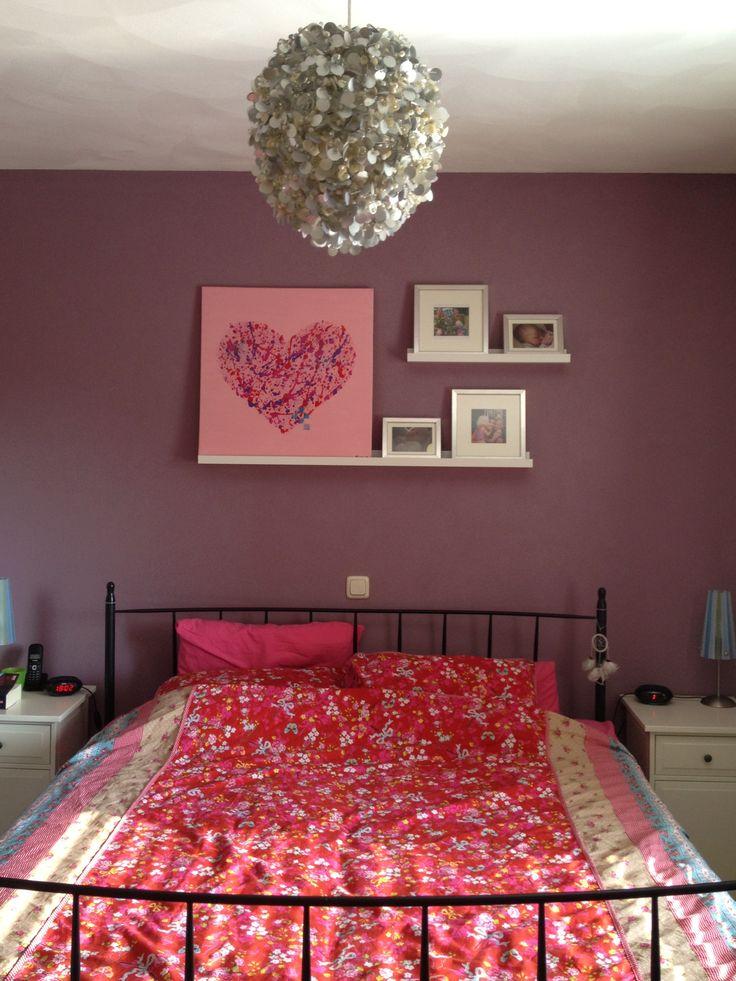 Onze slaapkamer! Kleur op de muur: RAL 4009