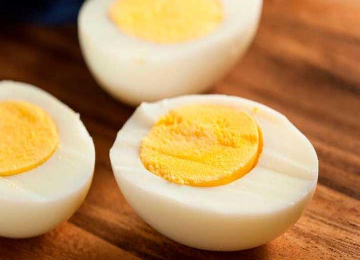Conoce como con tan solo hacer la dieta del huevo por un tiempo determinado podrás botar todas las toxinas que tienes encima en un abrir y cerrar de ojos  Pinterest ;) | https://pinterest.com/cocinadosiempre