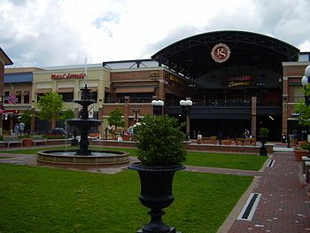 Pullman square is a large outdoor shopping center with a large movie theater, multiple restaurants, and unique shopping destination. It also is the home to many outdoor events in the spring and summer. My family loves going to Chili Fest in the summer!