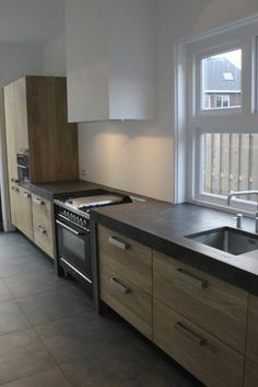 25 idee n die je leuk zult vinden over houten keukenkasten op pinterest - Modern keukenplan ...
