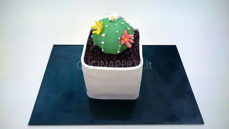 Cactus Cake: una mini torta molto originale, buona e semplice da realizzare! Se nell'aria c'è profumo di festa allora nel forno c'è già una deliziosa torta in cottura. È lei infatti la vera protago…