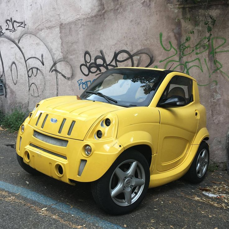 Saw this Meta city car by Garage Italia in Rome and thought it was an art installation...or JEEP jumping into the micro SUV biz!
