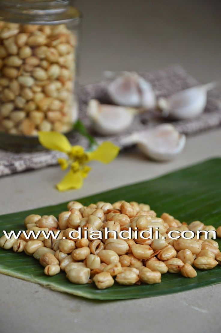 Diah Didi's Kitchen: Kacang Bawang Empuk, Gurih & Renyah