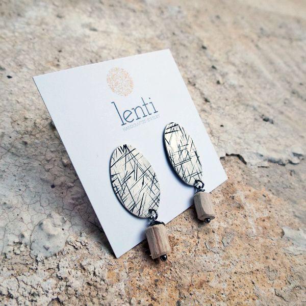 Οβάλ καρφωτό σκουλαρίκι από ασήμι 925 κ φυσικό ξύλο