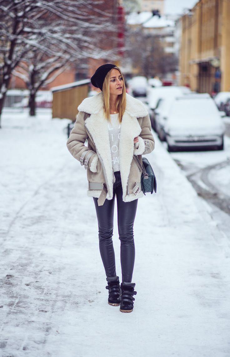 Trending Shearling Aviator Jackets Winter Outfits Women Casual Winter Outfits Fashion [ 1141 x 736 Pixel ]