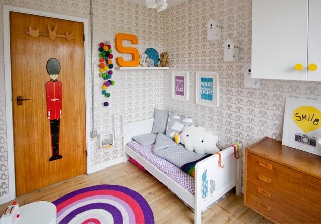 Une chambre d enfant au papier peint vintage little rooms pinterest vintage and deco - Papier peint enfant vintage ...