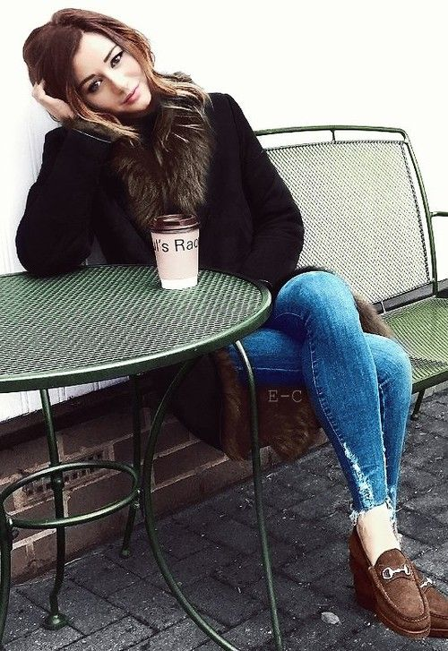 (FC Eleanor Calder) Hiya, I'm Eleanor and I'm 17 almost 18; also single. I love coffee and a good book. I'm a writer, and a free lance photographer. I'm really quiet and shy. (Victim.)
