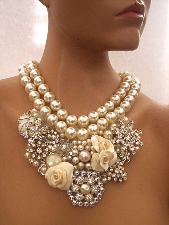 This must weigh about 5 lbs but gorgeous!: Vintage Pearl, Statement Necklaces, Vintage Rhinestone, Pearls, Wedding, Pearl Necklaces, Collar, Jewelry Accessories, Vintage Necklace
