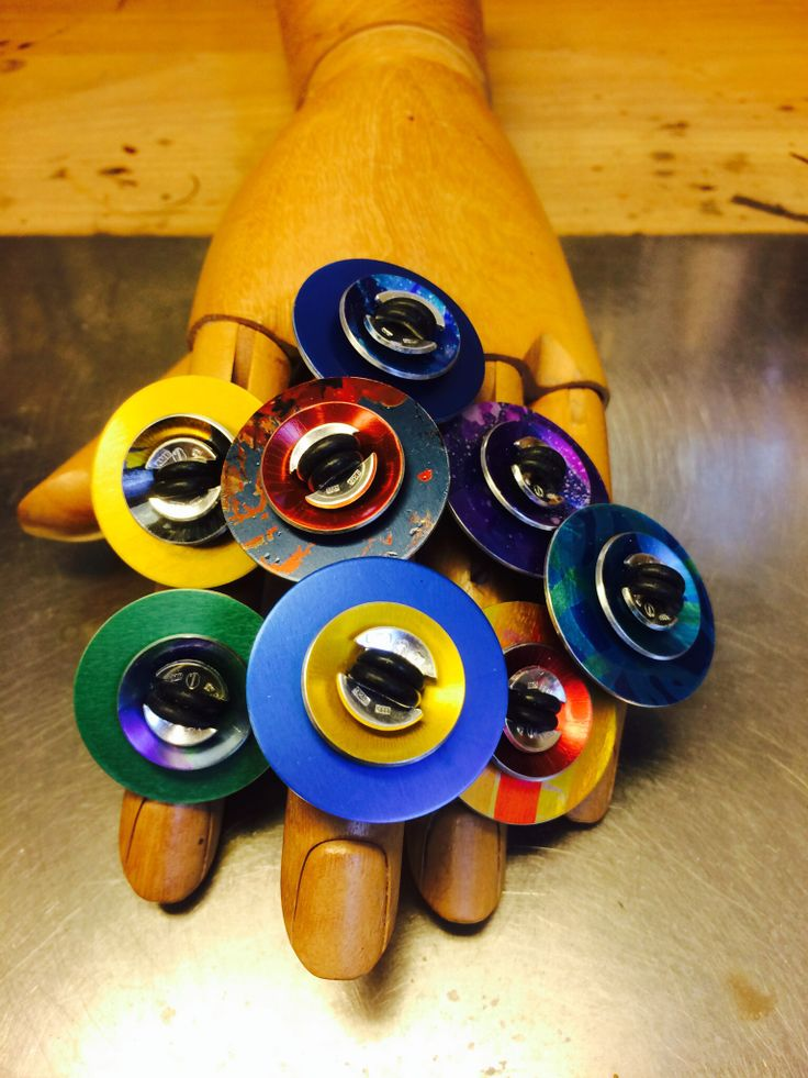 Aluminum, silver and rubbet makes colourful rings